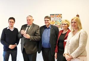 von links nach rechts: Nicolas Back, CDU-Kandidat des Landtags-Wahlkreises, Staatssekretär Karl-Josef Laumann, Geschäftsführer Dr. Joachim Wilbers, Hausleiterin Martina Löcker und Petra Vogt, Mitglied des Landtags NRW